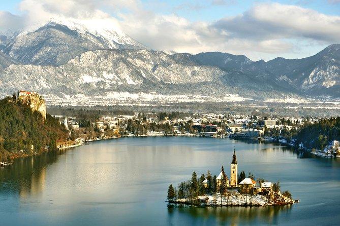 Bezoek het meer van Bled en het kasteel van Bled (tour van een halve dag) - Spaans spreken