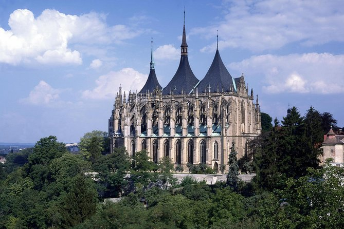 Kutna Hora Half-Day Tour from Prague, Including the Bone Church Kostnice
