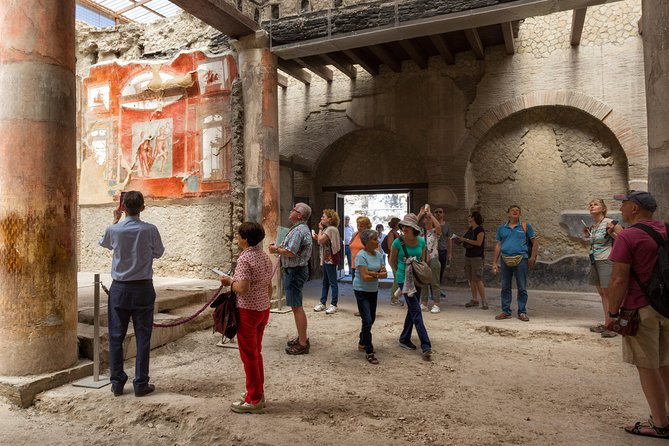 Herculaneum Small Group tour with an Archaeologist