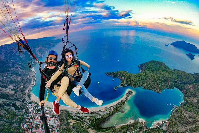 Tandem Paragliding Over The Blue Lagoon in Fethiye