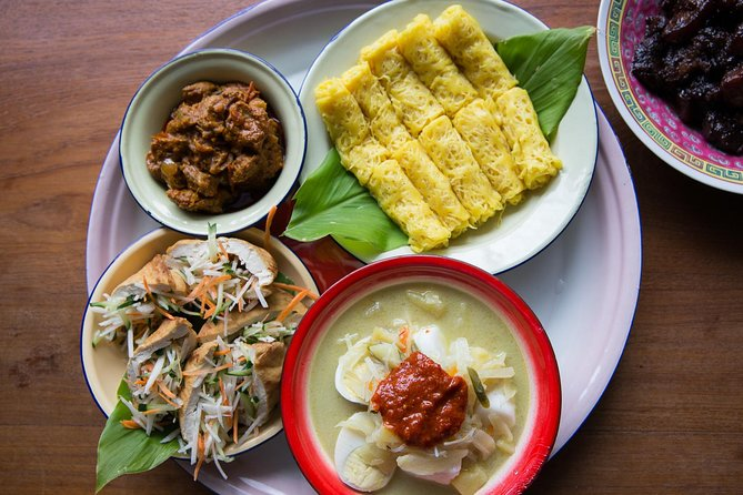 Private Home-cooked Peranakan Meal in Malacca with a Local