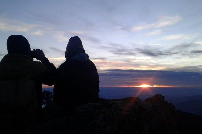 Winter Sunset Hike Tour