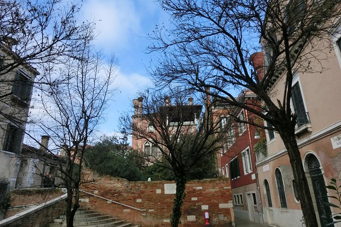 Private tour of the Peggy Guggenheim collection and Dorsoduro photo 8