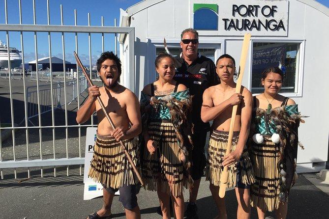 Shore Excursion: Geothermal Rotorua with Maori Cultural Performance at Whakarewarewa