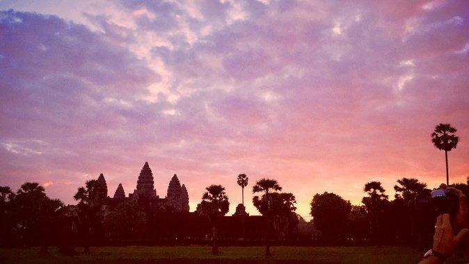 Siem Reap Angkor Sunrise en moto privada