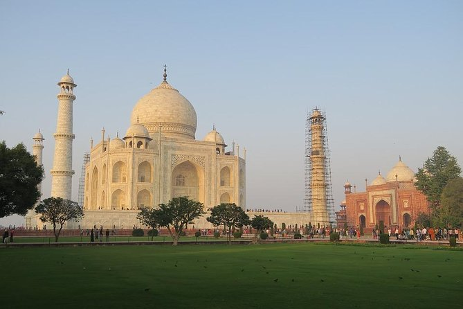 All Inclusive Taj Mahal day trip from Delhi