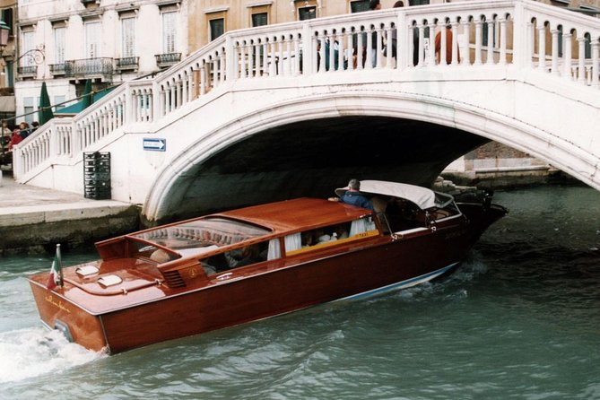 Venice Grand Canal guided boat tour photo 7
