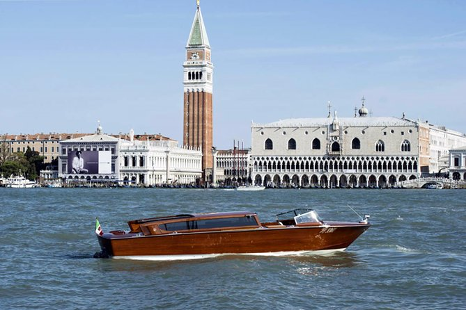Venice Grand Canal guided boat tour photo 13