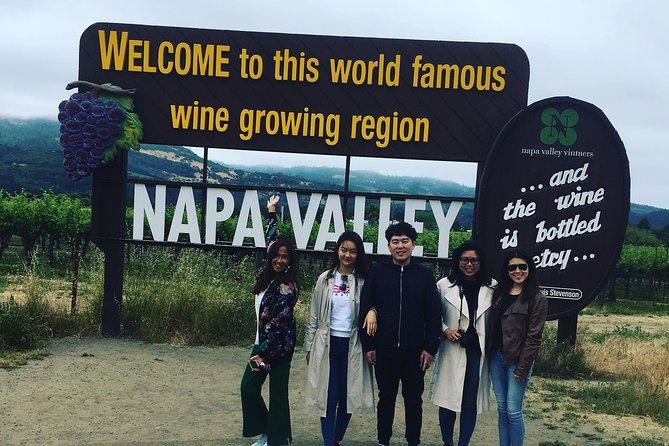 Excursão vinícola para pequenos grupos por Napa com visita ao Castello di Amorosa e almoço
