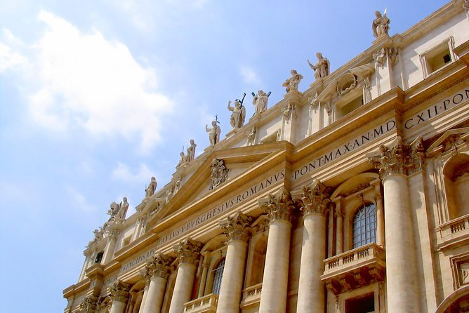 Vatican, Colosseum and Catacombs Tour with Lunch