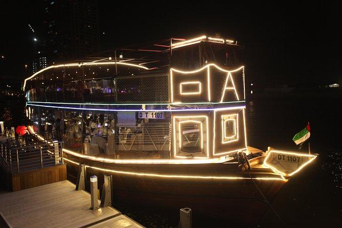 Luxus-Bootstour mit Abendessen auf dem Kanal (Neue Route)