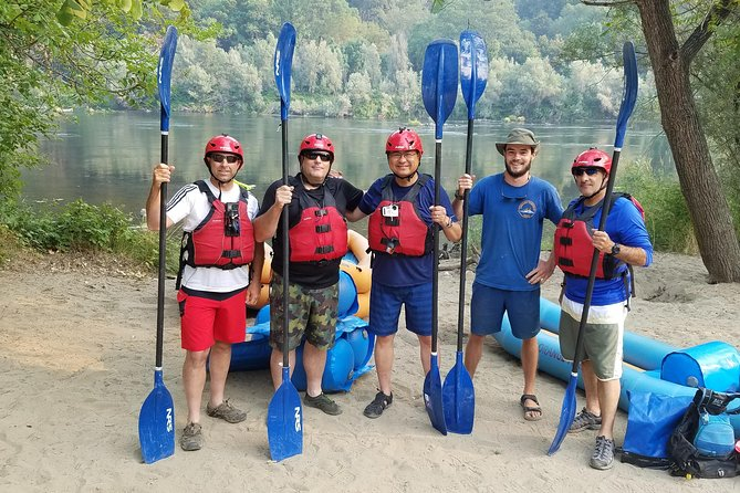 Group of friends kayaking the Rogue River