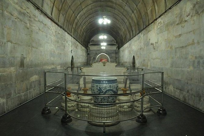 Beijing Day Tour, Badaling Great Wall,Ming Tombs,Underground Palace, Sacred Way photo 4
