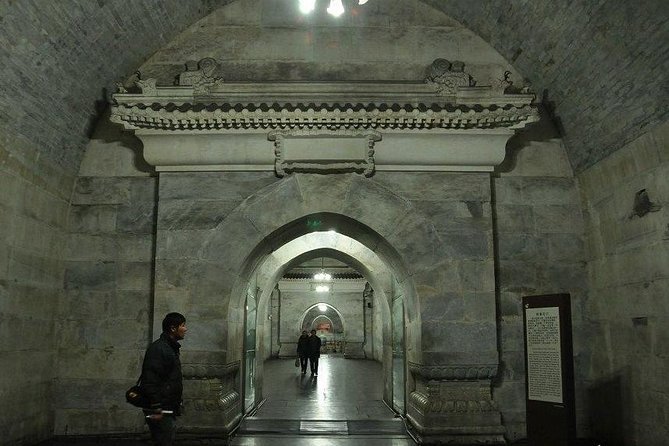 Beijing Day Tour, Badaling Great Wall,Ming Tombs,Underground Palace, Sacred Way photo 6