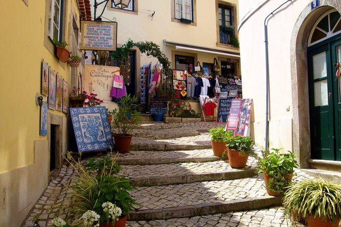 Half Day Sintra Village and Cascais Private tour from Lisbon