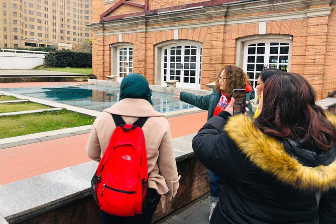 Small Group 2.5-Hour Walking Tour - Spots Hiding Behind the Shanghai Bund photo 8