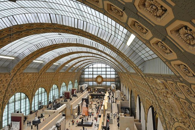 Skip the line Louvre and Orsay with licensed guide photo 3