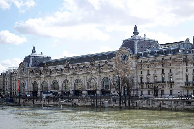 Skip the line Louvre and Orsay with licensed guide photo 7