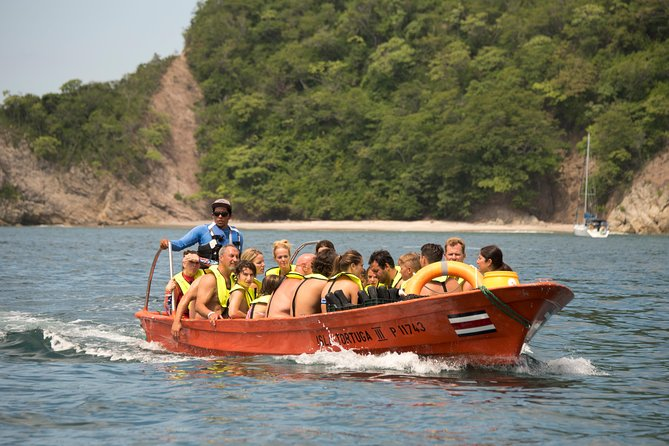 Tortuga Island Tour with Costa Cat