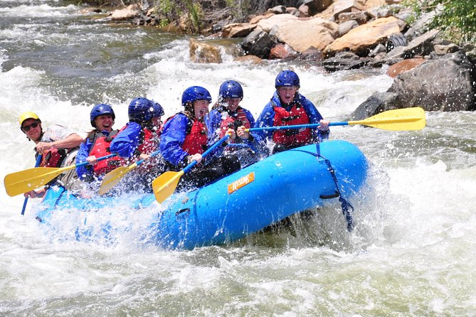 Rafting para principiantes en el histórico parque Clear Creek