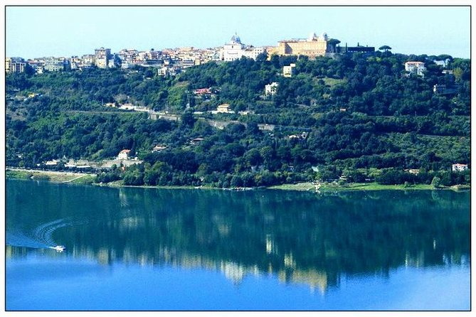 Tour to the Roman castles: Nemi, Ariccia and Castel Gandolfo, a day from Rome