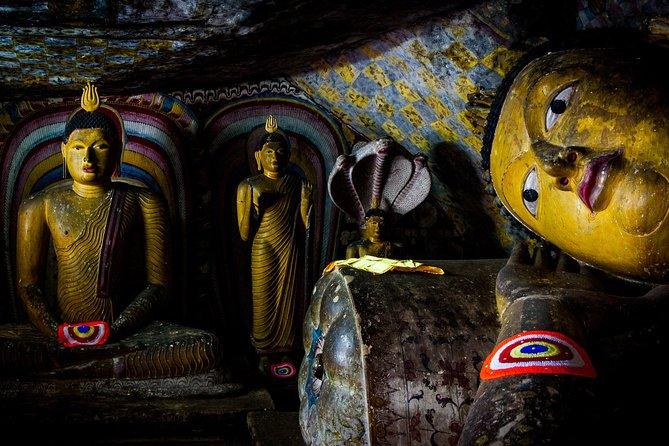 Day Excursion to Sigiriya, Pidurangala & Cave from Anuradhapura