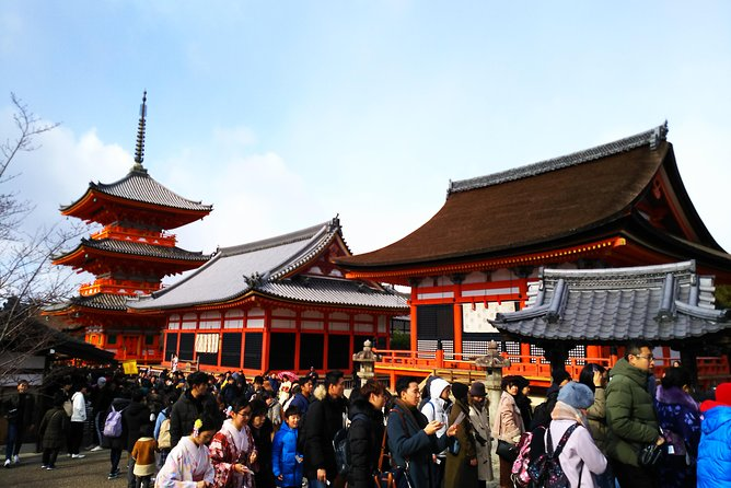 Kyoto Early Bird feat. Kiyomizu-dera Temple tour