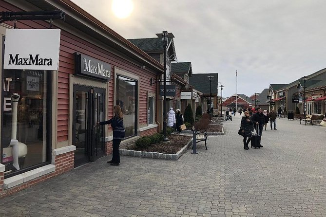 Woodbury Common Premium Outlet Shopping Private Day Trip by SUV from NYC