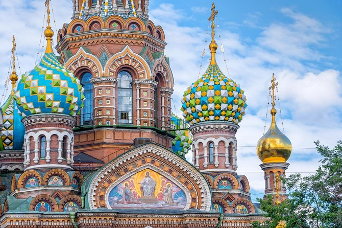 St.Petersburg: CUSTOM MADE PRIVATE FULL DAY TOUR (with guide and driver)