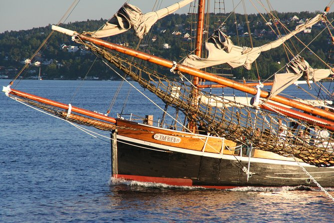 3-Hour Norwegian Evening Cruise Aboard a Wooden Sailing Boat on the Oslo Fjord photo 4