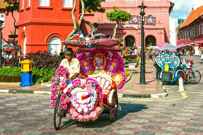 Malacca Historical Tour with Lunch at Baba Nyonya Restaurant