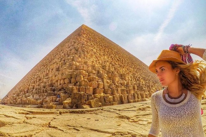 Full Day tour to pyramids,Egyptian Museum, Coptic Cairo and Bazaar,all inclusive