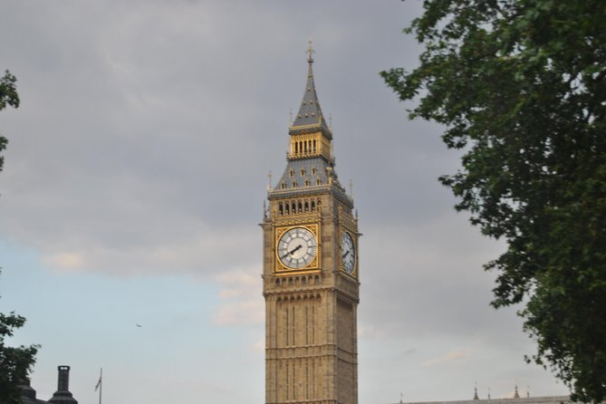 Private walking tour of central London