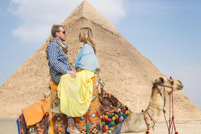Short Layover Tour to Giza pyramids(Camel ride,Lunch& Entrance fees are included