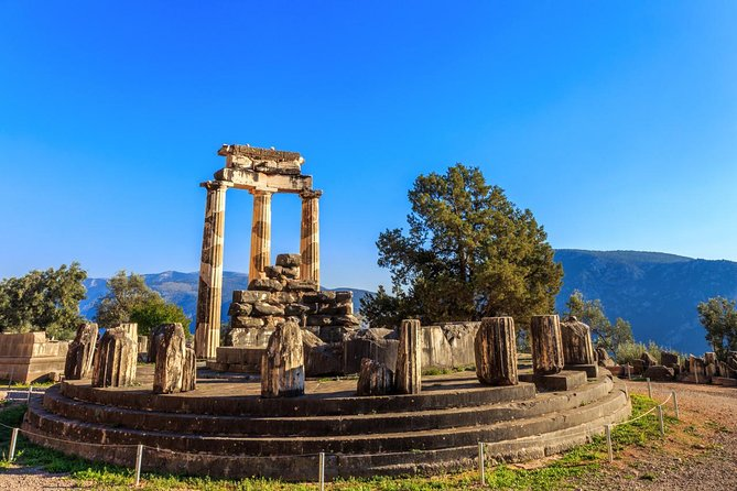 Delphi and Thermopylae Full Day Tour