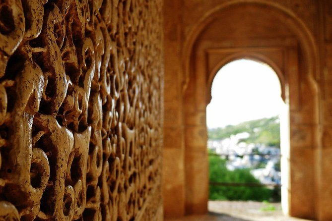 The Secrets of the Alhambra - Small group tour