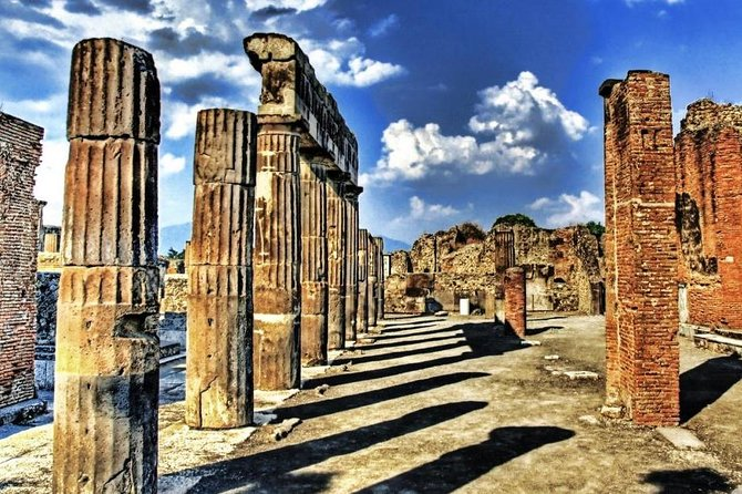 Visit of the archaeological park of Pompeii