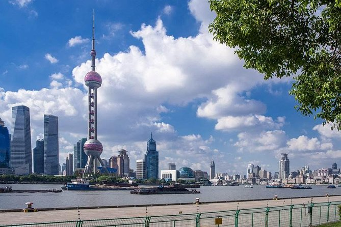 3-Hour Private Tour to Jewish Ghetto and Shanghai Bund photo 4