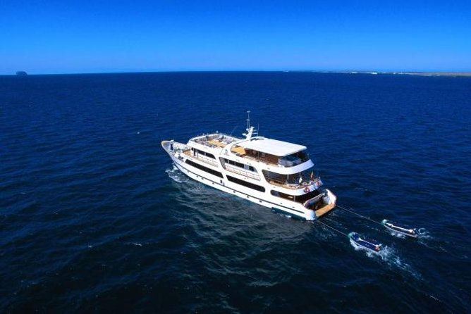 Galapagos Islands 6 Day Luxury Cruise With Naturalist Guide 2020