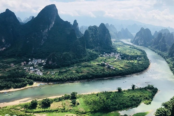 2-Day Private Yangshuo Trip By Round-way Bullet Train From Guangzhou photo 1