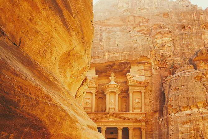 Treasures of Jordan Tour-7 Days Discover Petra & Dead Sea & Wadi Rum with Hotels