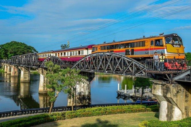 Damnoen Saduak Floating Market & Brücke über die River Kwai Tour von Bangkok aus