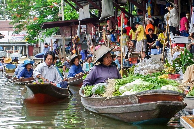 Maeklong Railway Market & Damnoensaduak Floating Market Tour (Multi Languages)