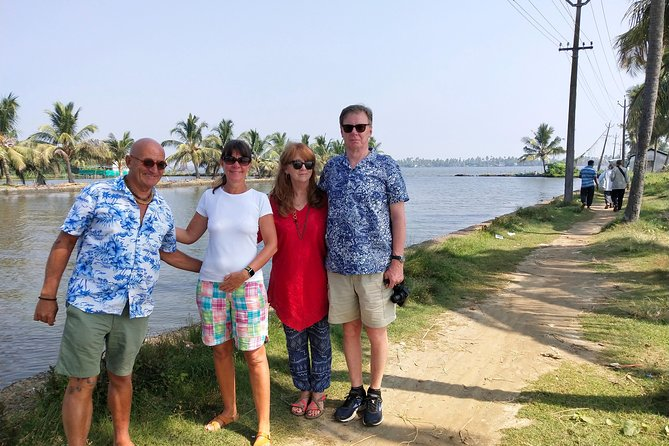 Cochin tuk tuk tours and One hour Backwater Tour with pickup from Cruise ship photo 10