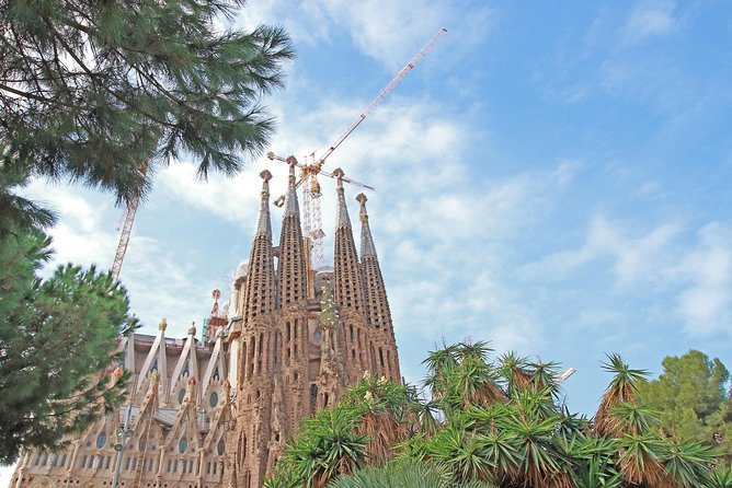 Sagrada Familia with Digital City Sightseeing Map