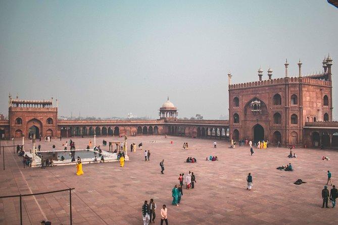 Old Delhi Bazaar Walk & Haveli Visit Tour