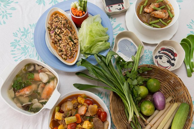 Authentic Thai Cuisine in a Local Thai Home in the Heart of Bangkok