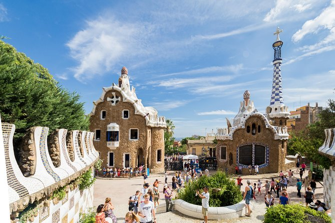 Park Güell Express Guided Tour with Skip-the-Line Access