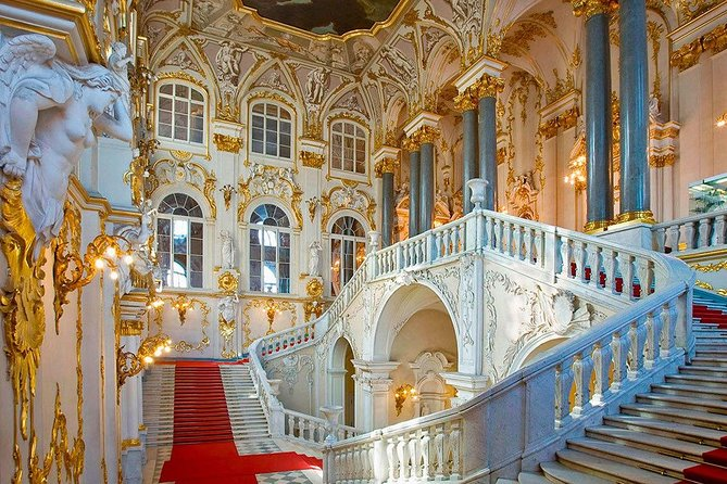 Private tour: Hermitage Museum and 3-course Traditional Russian Lunch with Vodka