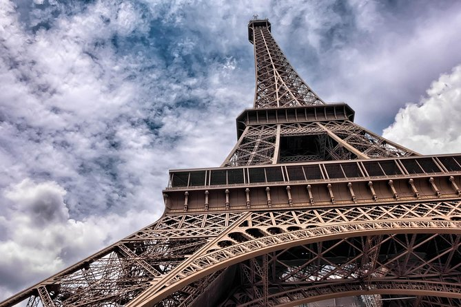 Skip-the-Line Eiffel Tower Small Group Tour with Priority Access